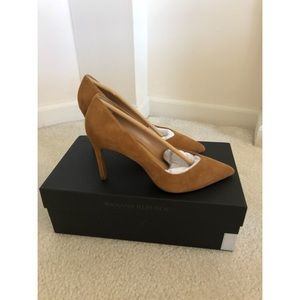 Banana Republic Heels. Nutmeg suede. Size 6. New!